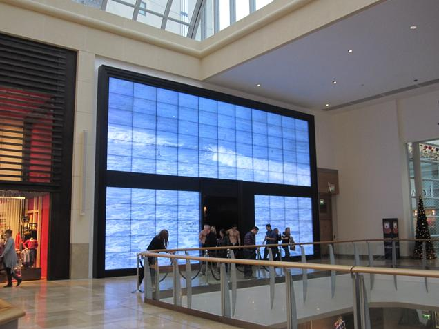 Abercrombie & Fitch video wall